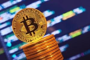 Биткоин поднялся в цене: на сколько и почему подорожала криптовалюта
