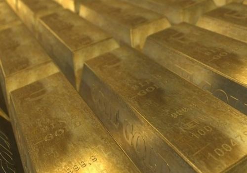 Золото и доллар подорожали из-за коронавируса