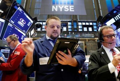 Снижение индексов на мировых биржах и слабая экономическая статистика