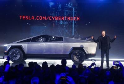 Акции Tesla за год выросли почти на 27 %