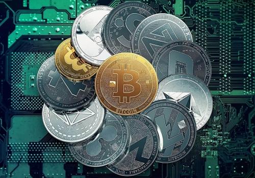 Криптовалюты демонстрируют снижение на 10 % и более